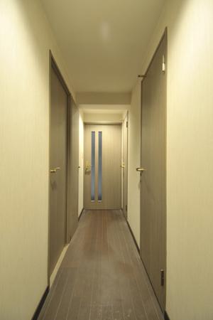 ビフォ廊下